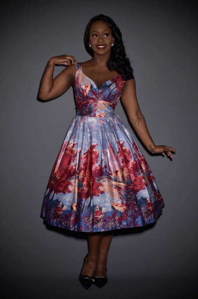 Introducing the Elizabeth 50's style Paris Print dress, a perfect summer dress!