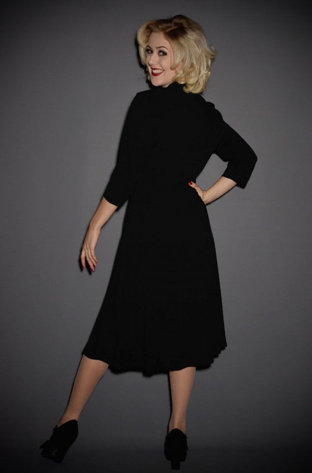 Effortlessly elegant & perfect for cooler weather, the Trashy Diva Jenny Dress with long sleeves in bold black knit. Official UK stockists of Trashy Diva.