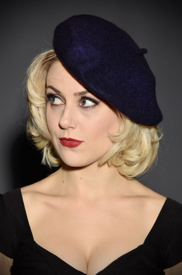 100% Wool Beret in Navy Blue