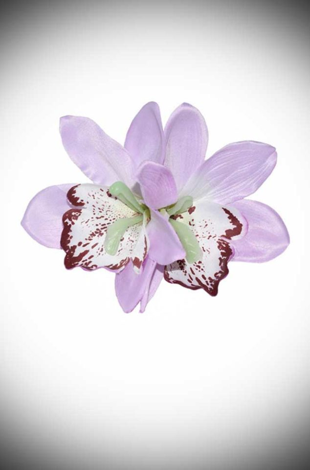 Add some instant tropical glamour to your look with this Gigi Lilac Hair Flower. A classic pair of lilac orchid flowers, mounted on a small hair clip.