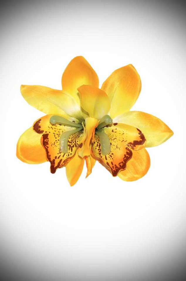 Add some instant tropical glamour to your look with this Gigi Yellow Hair Flower. A classic pair of lilac orchid flowers, mounted on a small hair clip.