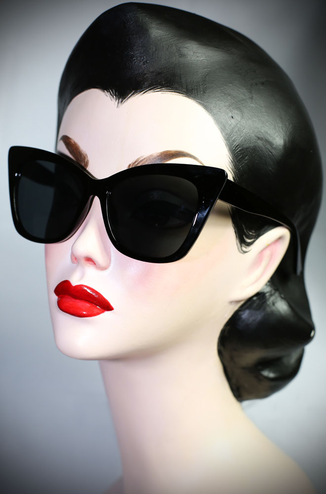 Vintage style Black 70s Cat Eye sunglasses at Deadly is the Female. Effortlessly add some pinup glamour to your day!