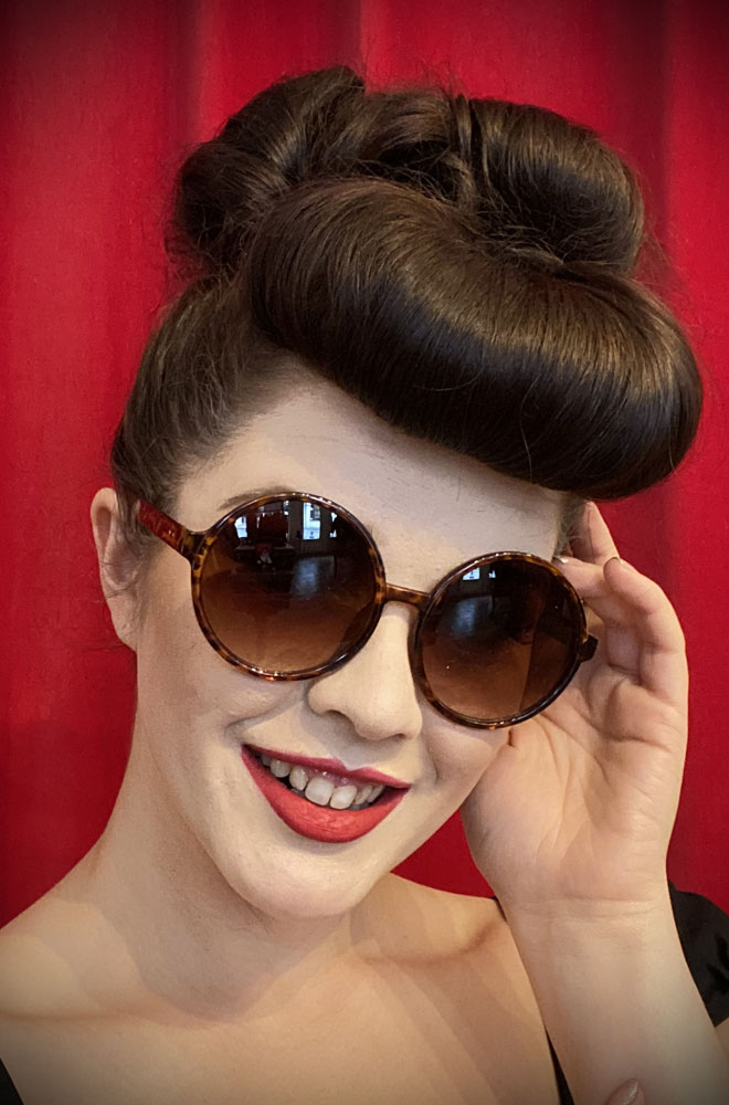 Vintage style Tortoiseshell Gatsby Sunglasses at Deadly is the Female. Effortlessly add some Twenties glamour with these round sunglasses!