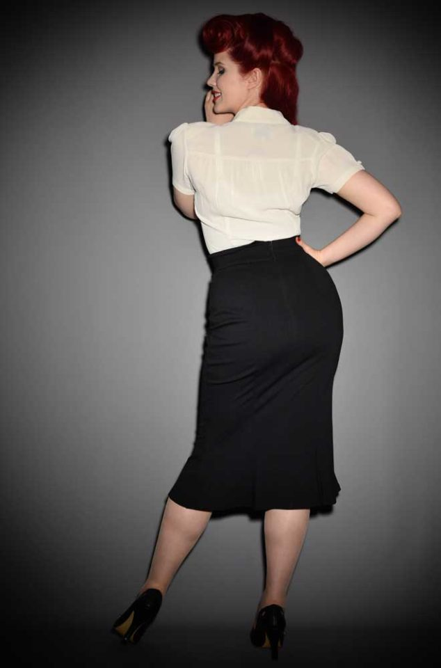 The Diva pencil skirt is a stylish flared skirt designed to highlight the wiggle in your walk. Heart of Haute at UK stockists, Deadly is the Female.
