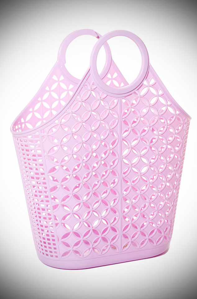 This Lilac Atomic Tote Bag features astriking star & circle design. Aremake of a retro classic.Perfect for popping to the shops or beach.