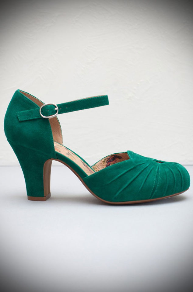 The Miss L Fire Green Amber shoes are beautiful vintage inspired heels. Made in stunning metallic leather these fantastic 40s shoes have are just charming.