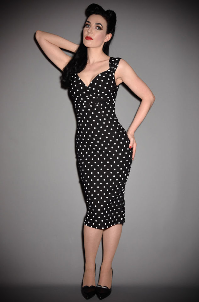 We are just dotty about this polka dot Diva Dress! This retro wiggle dress in black and white is neat but sassy. Available in UK sizes 8/10 to 18/20.