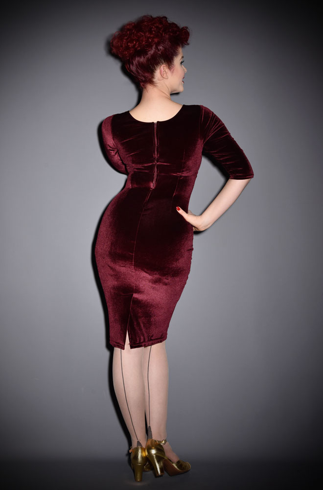 We are just dotty about this Burgundy Velvet Diva Dress! This retro wiggle dress in stretch velvet is neat but sassy. Available in UK sizes 8/10 to 18/20.