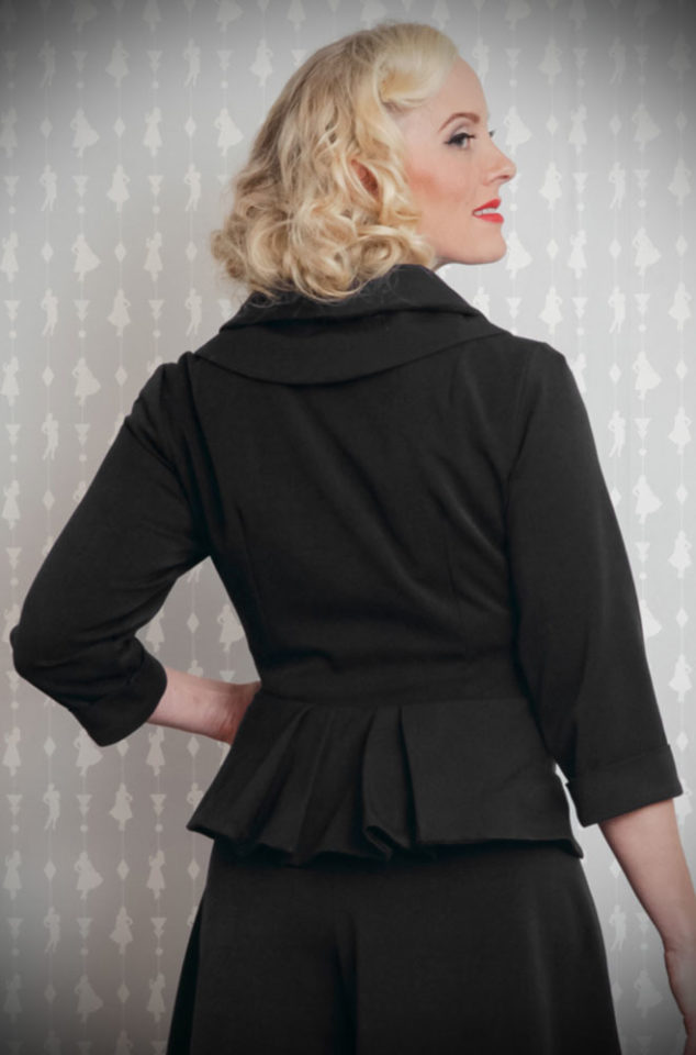 The Black Noa-Lee 1940s Blazer is a stunning vintage inspired jacket. This timeless blazer will become an instant wardrobe essential. DeadlyistheFemale.com are proud UK stockists of Miss Candyfloss