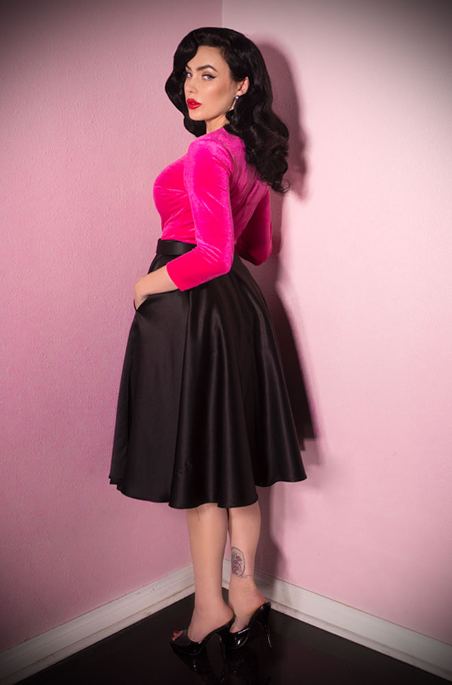 The Vixen Circle Skirt has arrived at Deadly is the Female, official UK stockists of Vixen by Micheline Pitt. A fabulous vintage style skirt in black satin. The stunning fabric features a gorgeous dull shine making it more versatile than you might think at first!