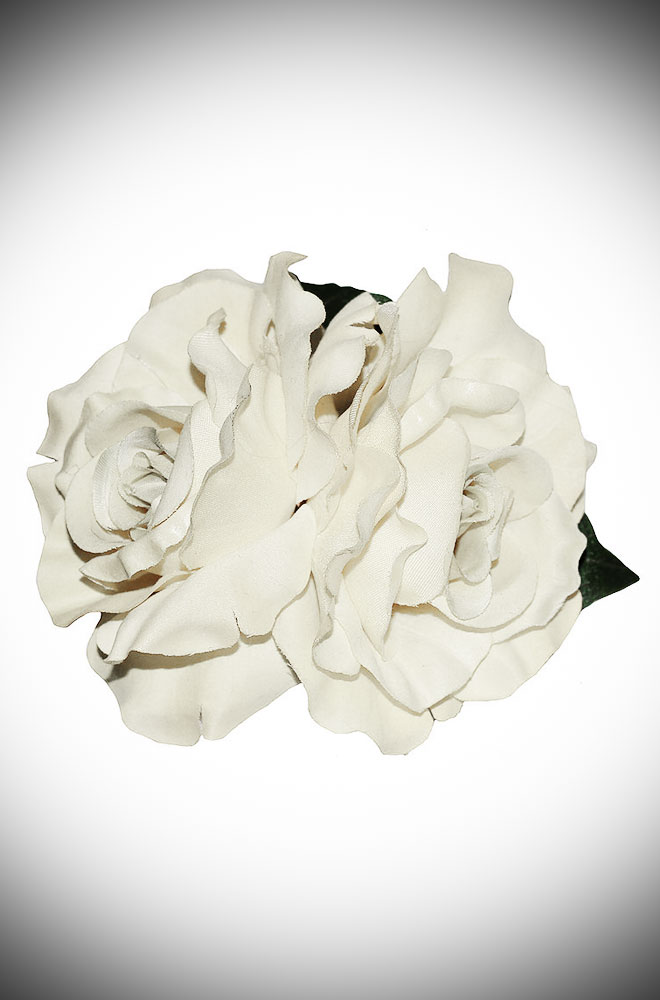 Add some instant glamour to your look with this Cream Rose Hair Flower. A classic double cream rose mounted on a hair clip. Perfect for pinups & vintage lovers.