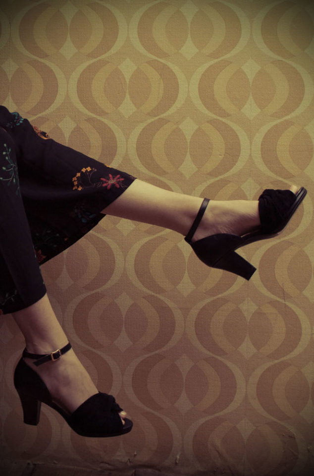 The Miss L Fire Evie shoes are beautiful vintage inspired heels. Made in stunning metallic leather thesefantastic 40sshoes have are just charming.