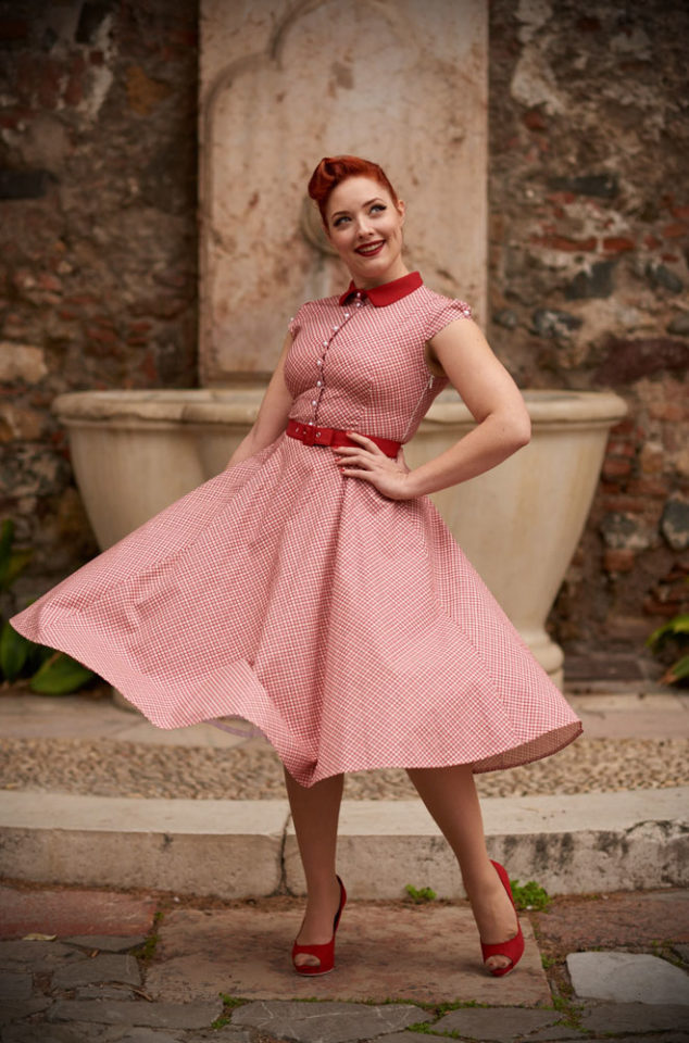 The Scilla Rose Dress is a gorgeous shirt dress in a delicate red and mint check. Perfect for an effortless daytime look that is sure to turn heads. This dress can also easily be dressed up for parties, just add a petticoat and heels! Deadly is the Female are UK stockists of Miss Candyfloss.