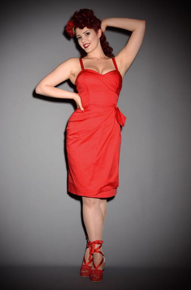 The Lou-Anne Sarong dress is perfect for sunny days. The bold lipstick red colour and chic cut will help you feel fabulously retro in a flash! Featuring boned bust panels and adjustable straps, this 40's inspired dress is easy to fall in love with. Deadly is the Female are UK stockists of Retrospec'd.