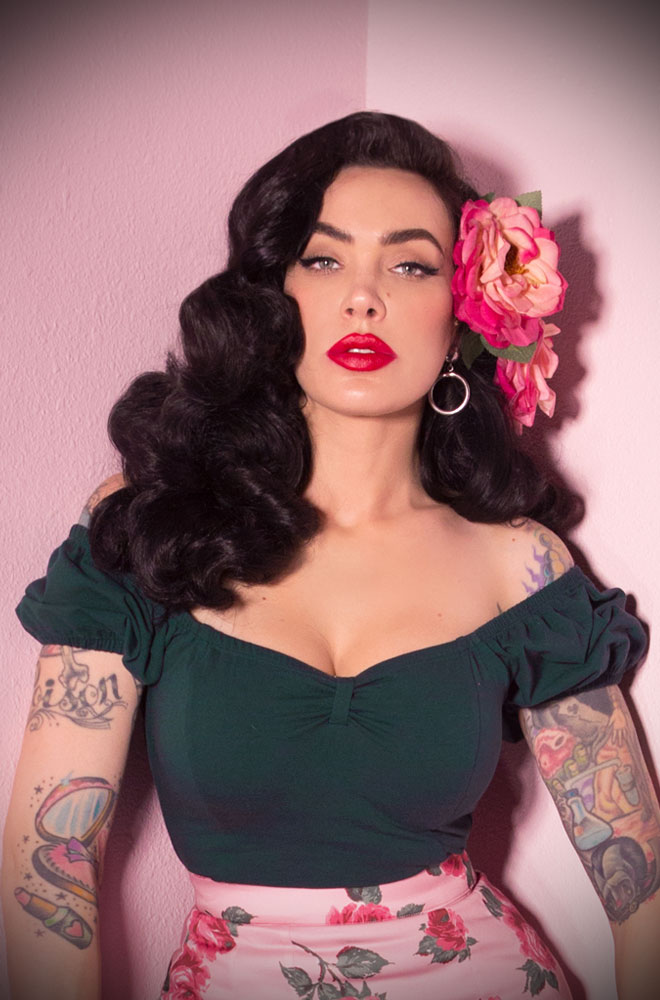 The Hunter Green Powder Puff Top has arrived at Deadly is the Female, official UK stockists of Vixen by Micheline Pitt.Wear it on or off the shoulder, depending on your desired level of sass! Good things for bad girls.