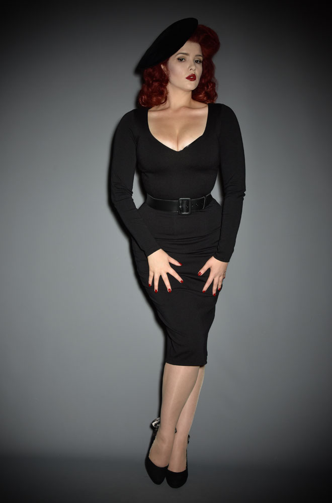 The Black Marilyn Wiggle Dress is a knockout dress from La Femme En Noir. Deadly is the Female are official UK & European stockists of La Femme En Noir. Specialising in dark & elegant designs for the glamorously gothic. With a cult following & new collections each season, you'll soon see what all the fuss is about!