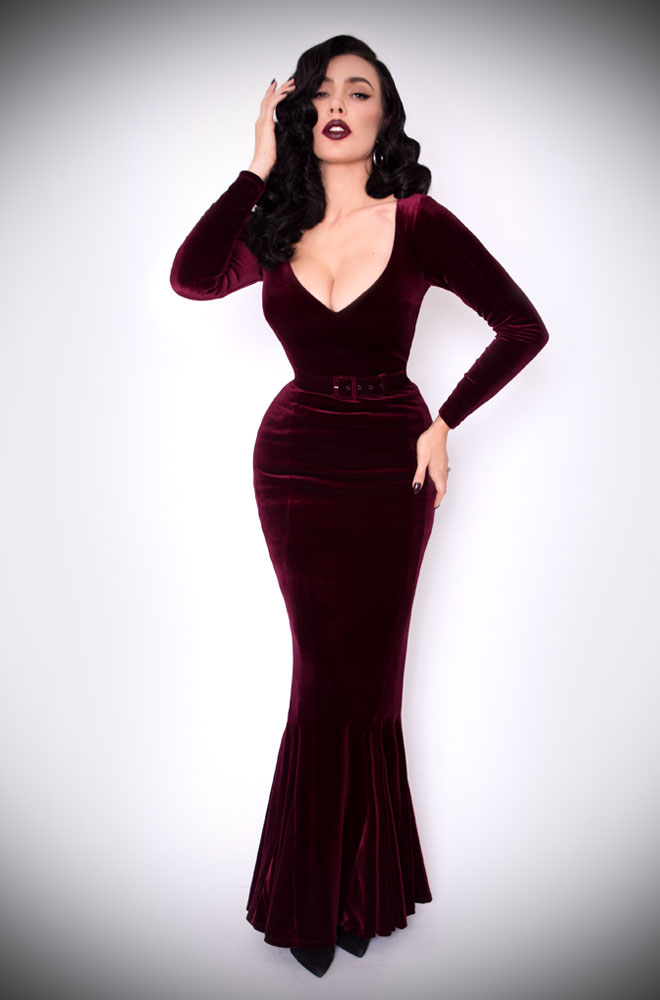 The Oxblood Velvet Black Marilyn Gown is a knockout evening dress.Deadly is the Female are official UK & European stockists of La Femme En Noir. Specialising in dark & elegant designs for the glamorously gothic. With a cult following & new collections each season, you'll soon see what all the fuss is about!
