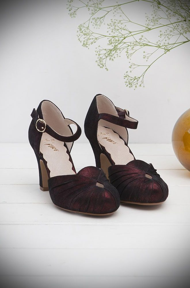 The Miss L Fire Burgundy Sparkle Amber Shoes are beautiful vintage inspired heels. Made in stunning metallic suede these fantastic shoes have are just charming. Miss L Fire footwear reflects a love for glamour, with a particular leaning towards the 'GoldenEra'.
