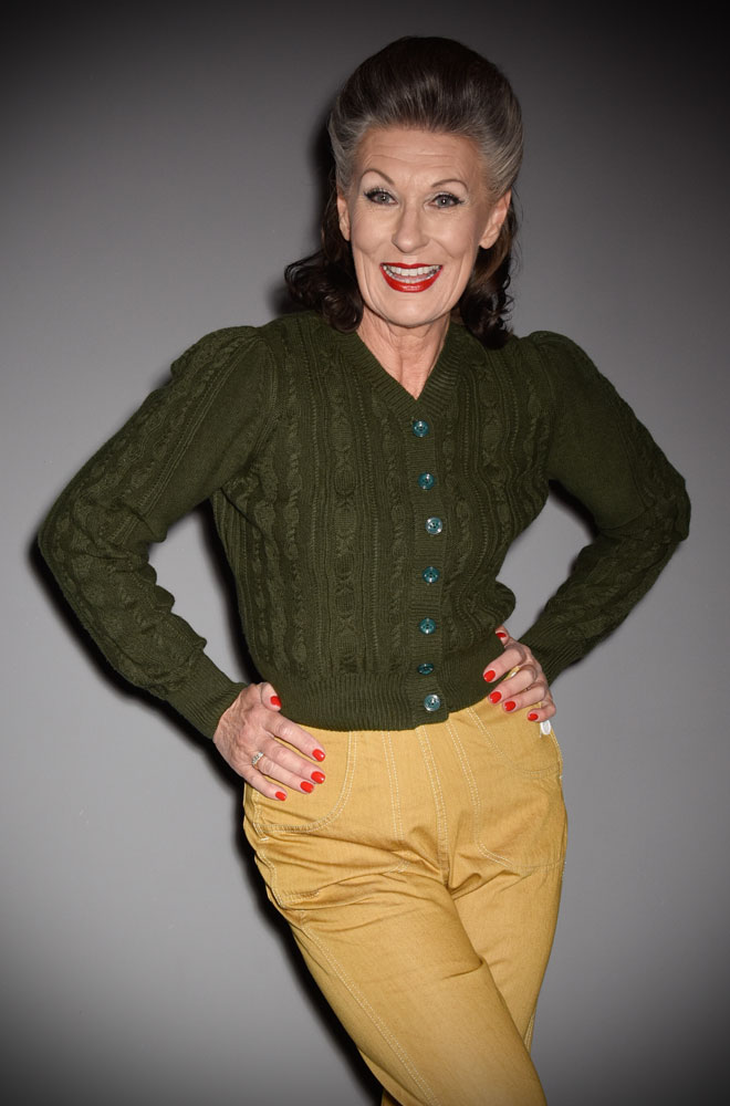This stunning 40's Pine Green Ice Skater Cardigan by Emmy Design is a beautiful wardrobe essential. The vintage inspired green colour is flattering to all skin tones! DeadlyistheFemale.com are official UK stockists of Emmy Design Sweden.