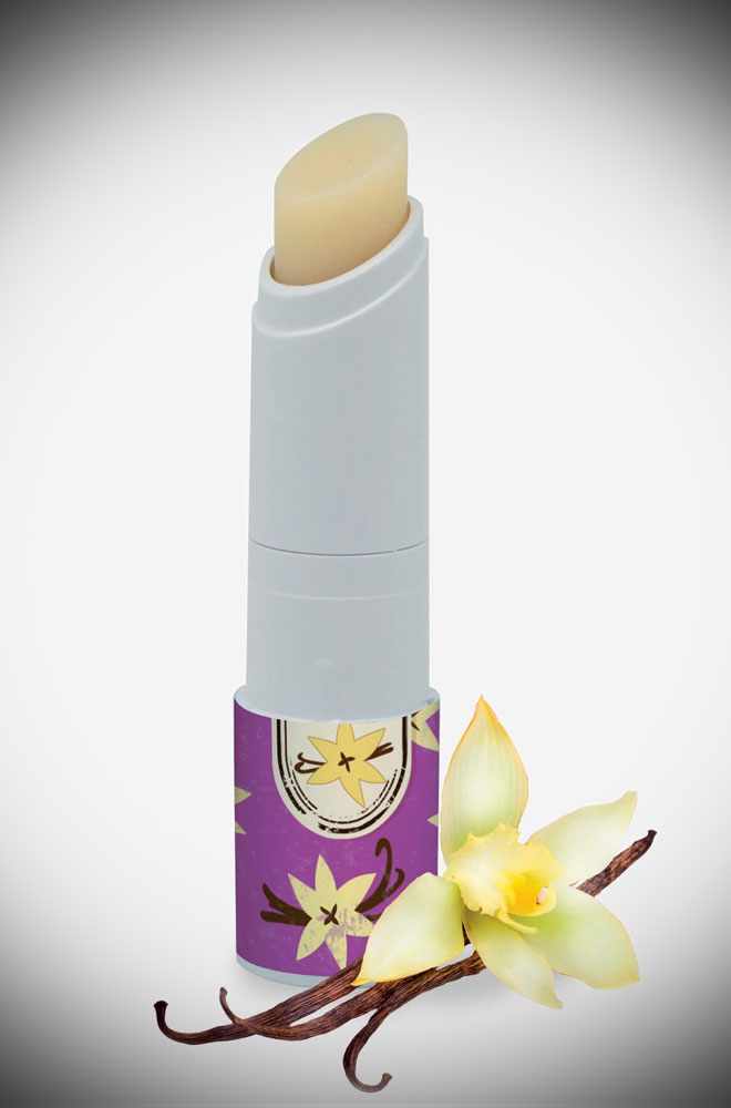 The Smack Lip Balm is a silky lip balm that gives your lips the softness they need as well as a touch of glamour! Great as a gift or pop it in your handbag!