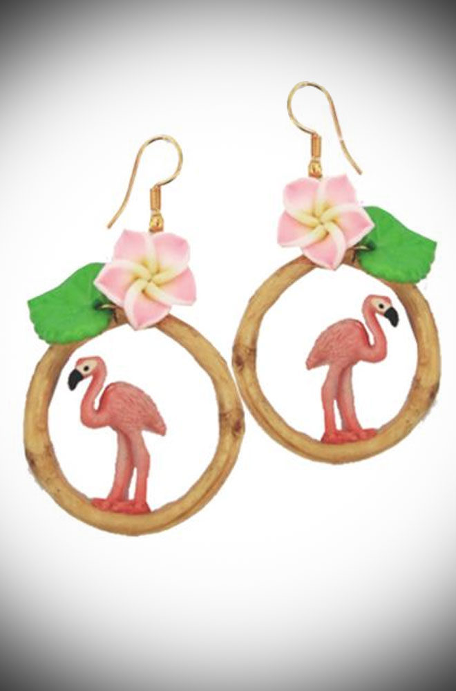 If you could capture summer in an earring, these would be the result! Featuring a flamingo framed in a bamboo-ring & crowned with a beautiful flower.