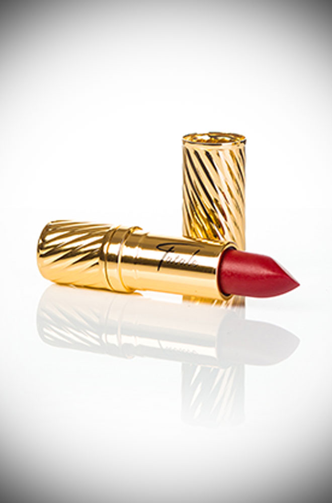 Monroe Red Fatale Cosmetics Lipstick. This striking lipstick is inspired by the screen goddess Marilyn Monroe. A true classic and eye-catching film-star red. The vivid ruby red with a warm undertone is perfect for those who prefer a true and straight red.