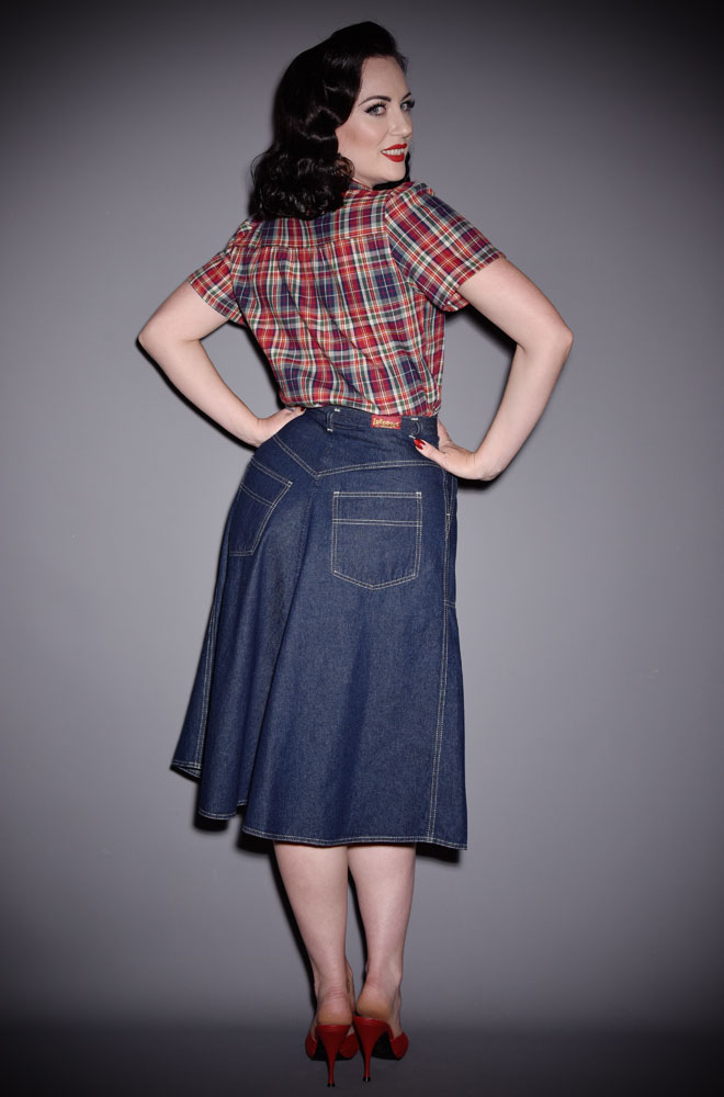 Effortlessly add some vintage style to your everyday look with the blueDenim Jeans Skirt.An authentic reproduction of an original 1950's skirt.
