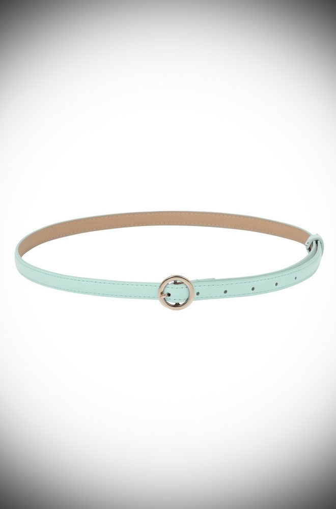 Flawlessly tie together any retro look with the adorable Blue Round Buckle Skinny Belt. Featuring an oh-so pretty golden buckle, this patent faux leather belt is just darling.