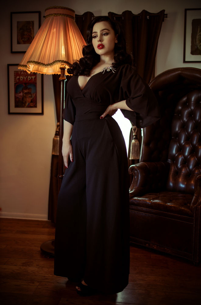 The Black Widow Palazzo Pants are elegant wide leg trousers.Deadly is the Female are official UK & European stockists of La Femme En Noir. Specialising in dark & elegant designs for the glamorously gothic. With a cult following & new collections each season, you'll soon see what all the fuss is about!