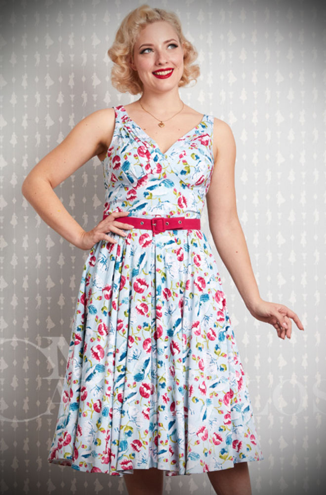The Bassie-Regina Swing Dress is a chic 50's style dress in a cool floarl print. Deadly is the Female are UK stockists of Miss Candyfloss.