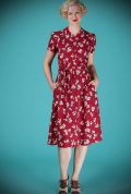 The Splendid Shirt Dress is a chic floral dress. Add some instant vintage style to your daywear wardrobe with this vintage style shirt dress.