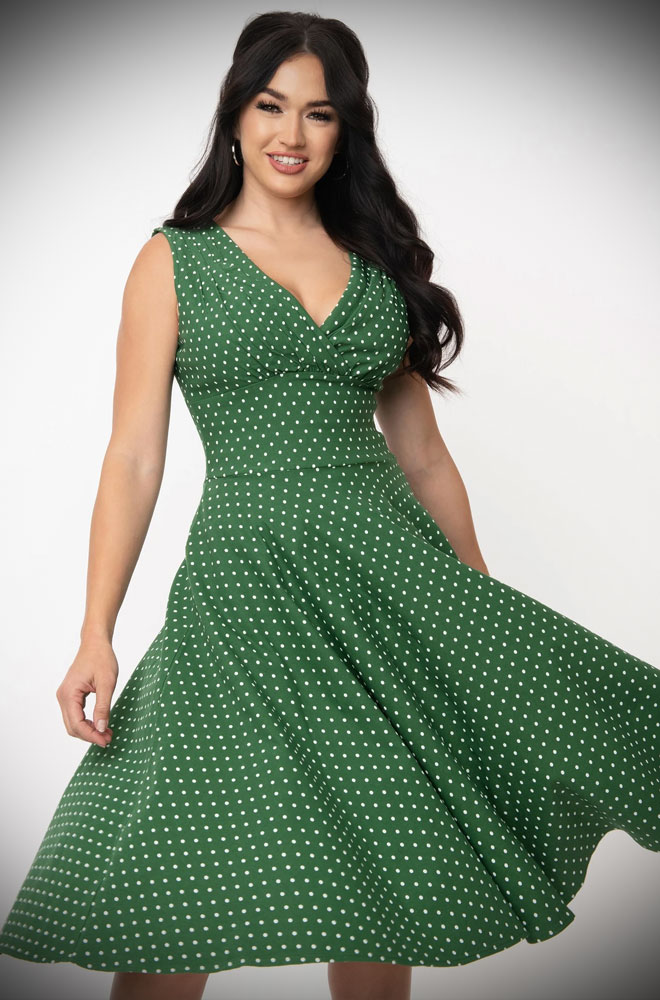 Green Dot Delores Dress - an effortlessly elegant 50s style dress. A perfect vintage dress, from sunny picnic to work day to wedding guest