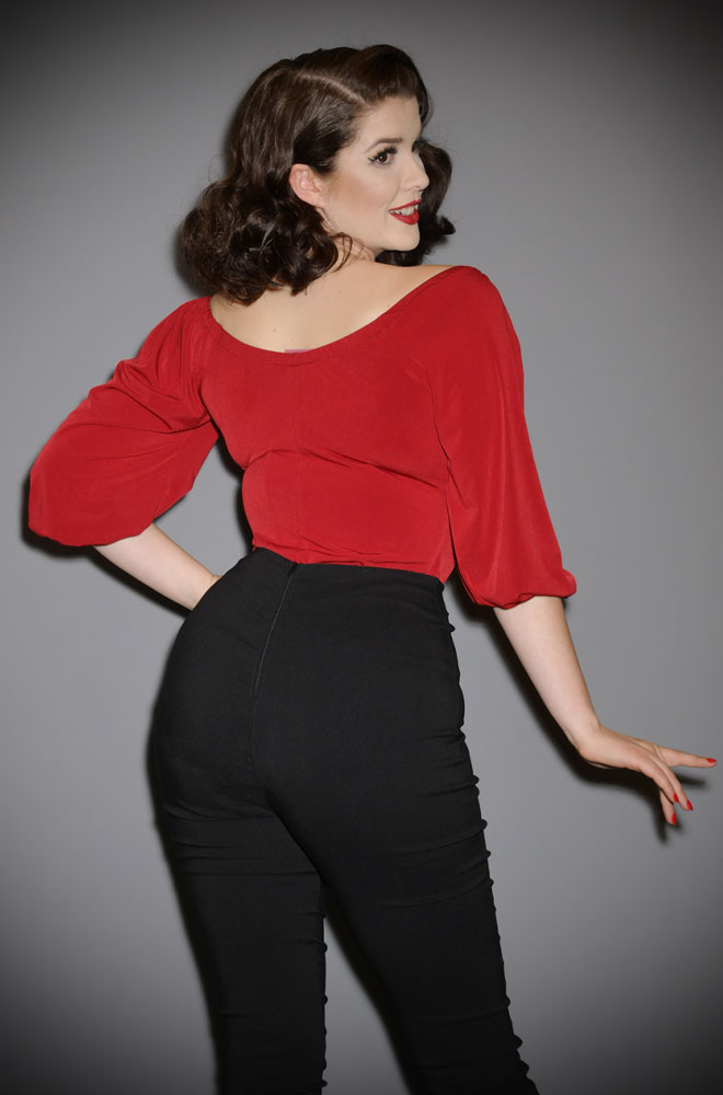 The Dark Rose Red Vacation Top is a chic 60s inspired peasant top. Deadly is the Female are European stockists of Vixen by Micheline Pitt.