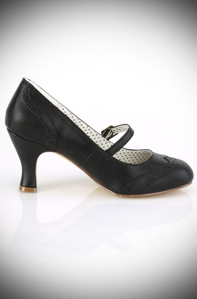 These Black Flapper Shoes are timeless vintage-style shoes. These fabulous faux leather heels are the perfect finishing touch to your look.