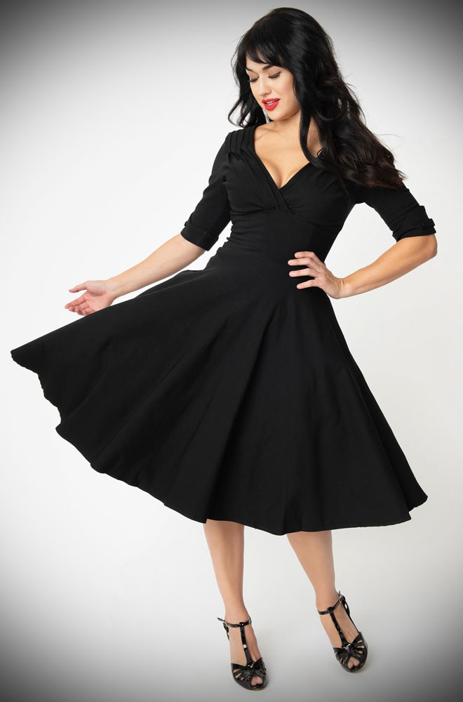Black Delores Dress - an effortlessly elegant 50s style dress. A perfect vintage dress, from sunny picnic to work day to wedding guest.